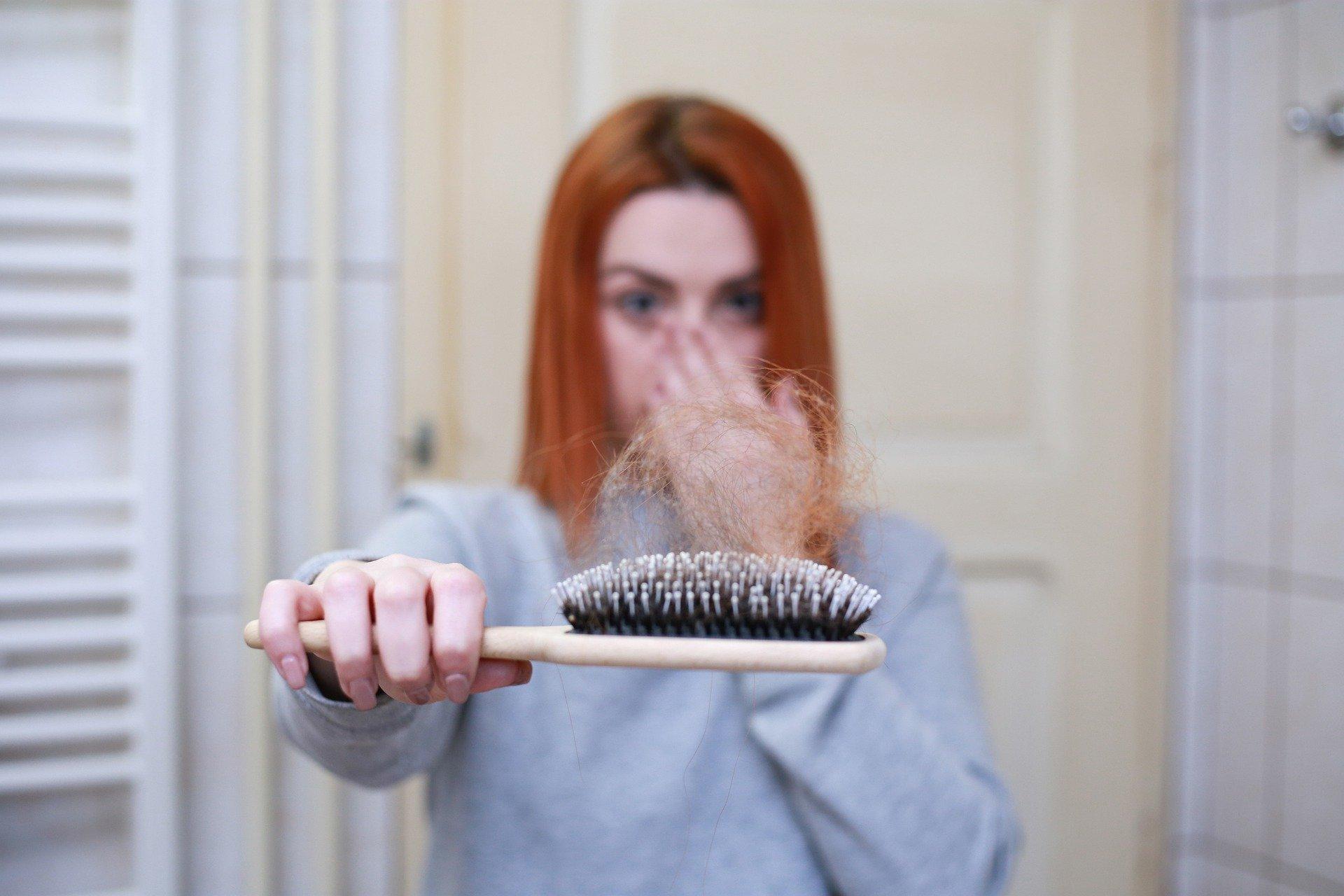 saç dökülmeleri