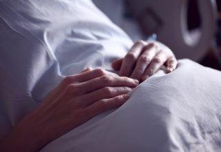 Kanser Belirtileri Kadınlarda Nasıl Görülür? Bu Belirtilere Dikkat Etmeli!